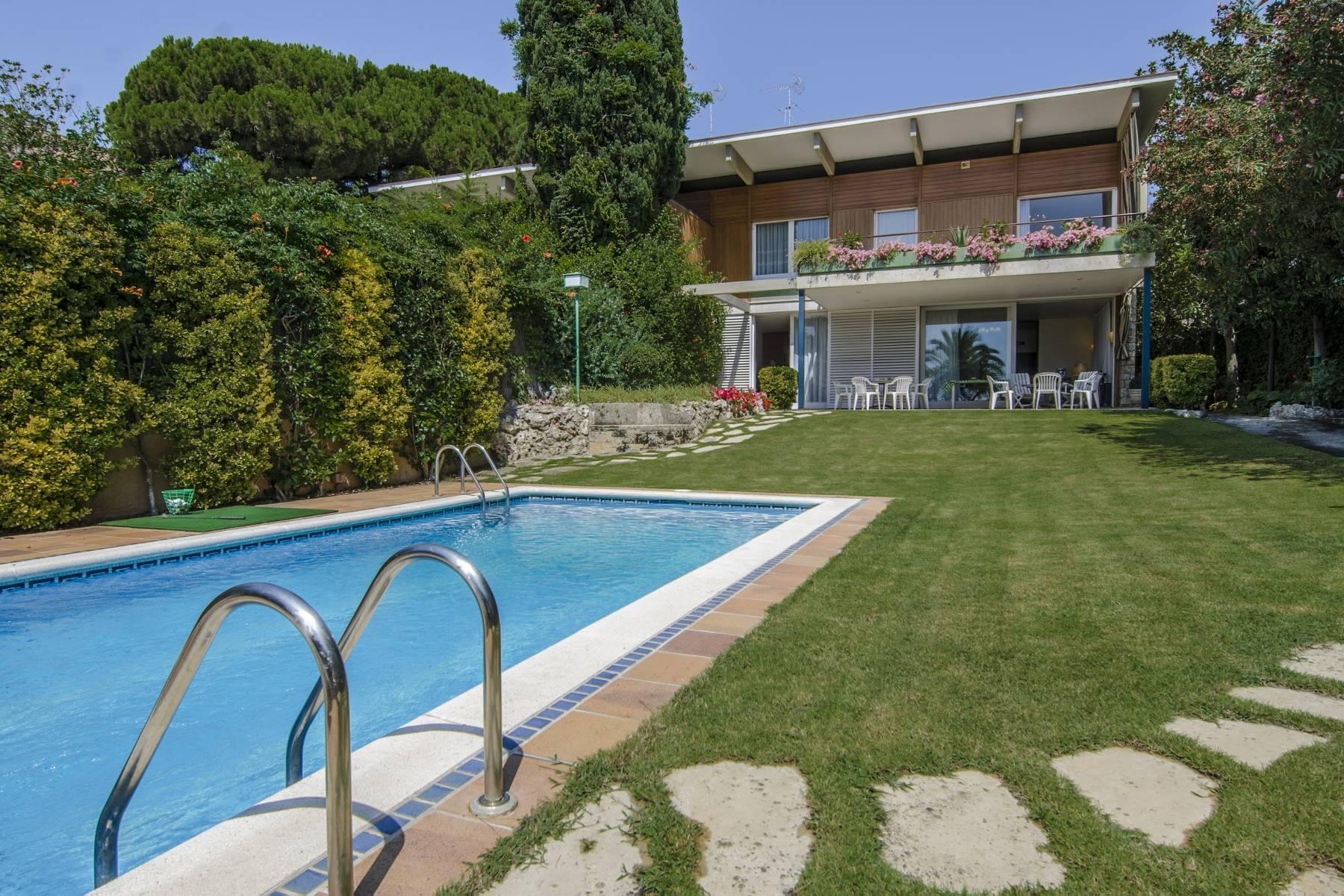 Casa para uma família para Venda às Exclusive Seafront House for Sale in Caldes d'Estrac Sant Andreu De Llavaneres, Barcelona, 08392 Espanha