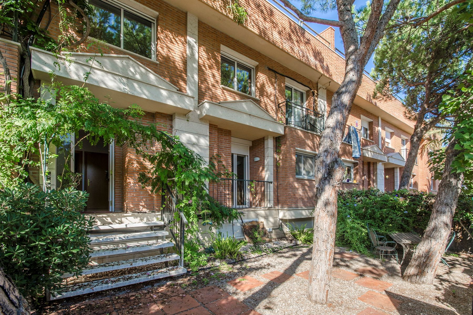 Single Family Home for Sale at Spacious townhouse with sea views in a quiet environment Gava Mar, Barcelona, 08850 Spain