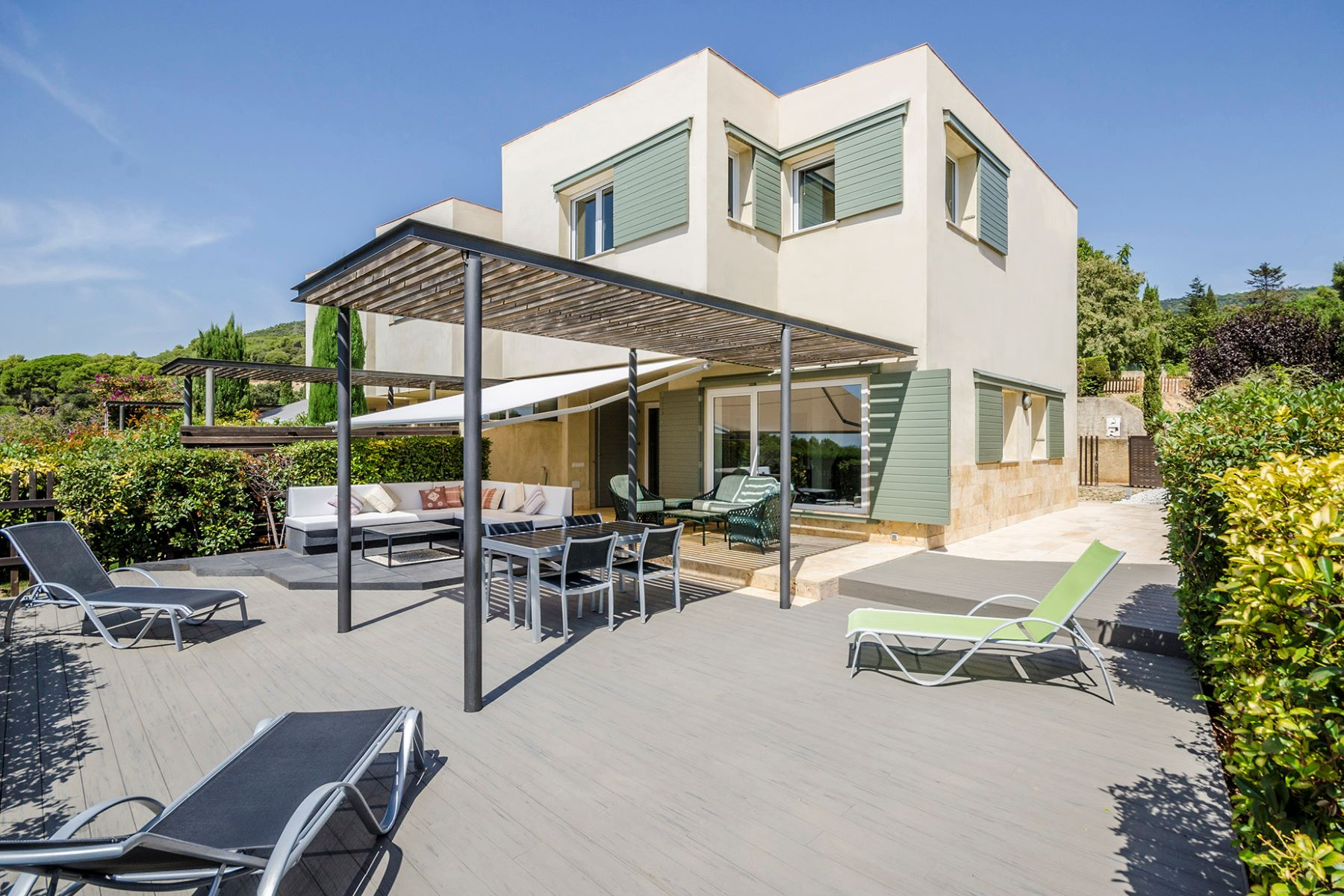 Single Family Home for Sale at Beautiful family house in an unbeatable surroundings Other Cities Barcelona Surroundings, Barcelona, 08192 Spain