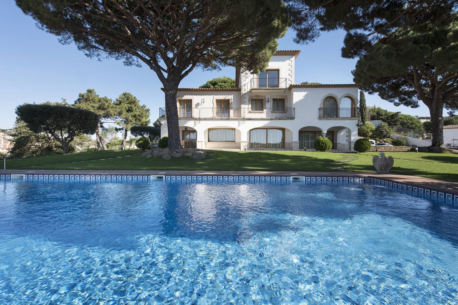 Einfamilienhaus für Verkauf beim Mediterranean Mansion with magnificent sea views in Sant Feliu de Guixols Sant Feliu De Guixols, Costa Brava, 17220 Spanien