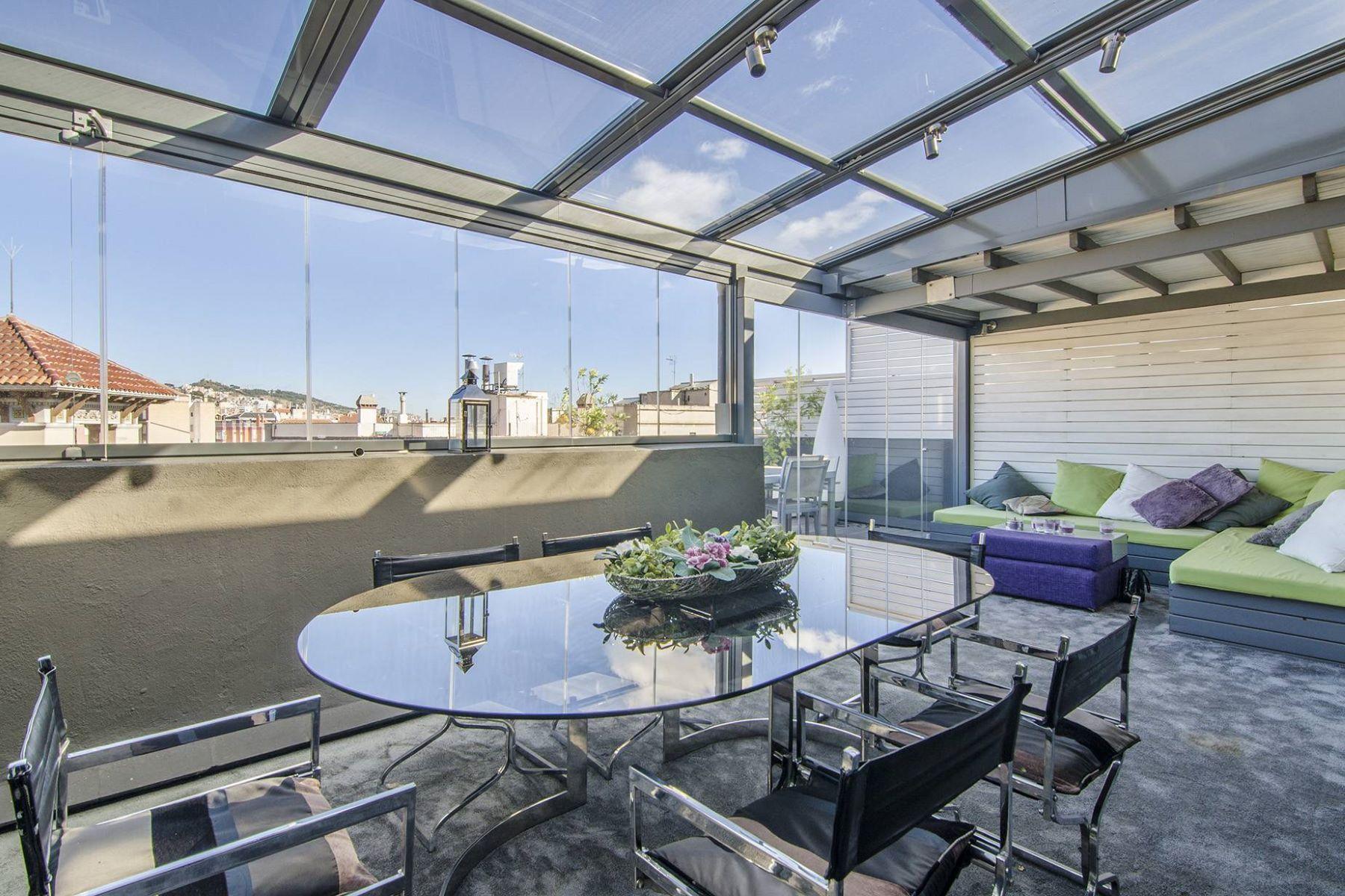 Apartamento por un Venta en Spectacular Duplex Penthouse in Sant Gervasi Barcelona City, Barcelona, 08034 España