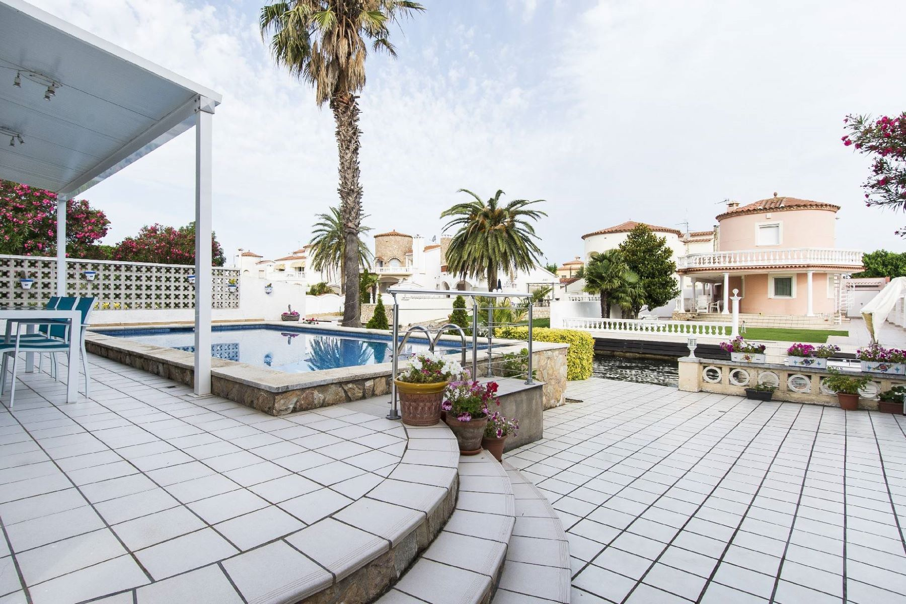Single Family Home for Sale at House on the canal with 15m mooring Empuriabrava, Costa Brava, 17487 Spain