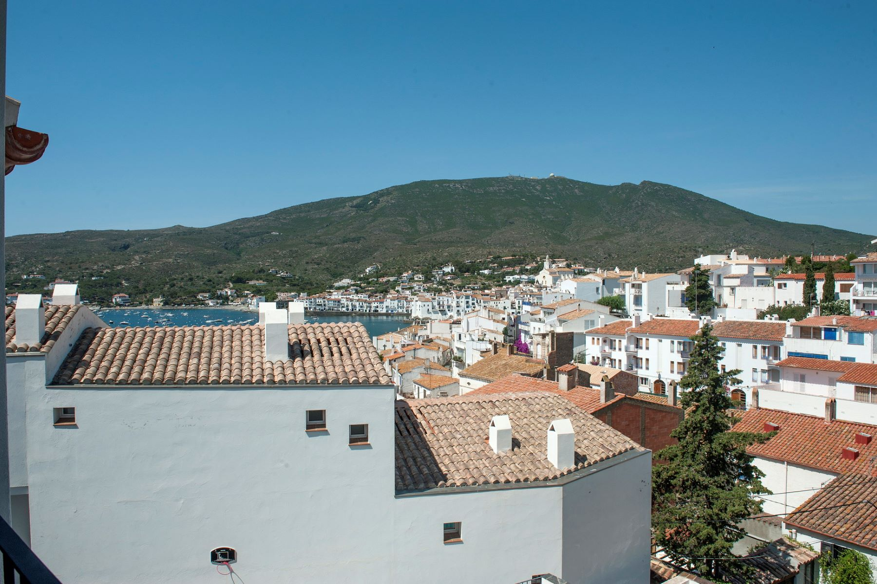 sales property at Unique complex of 5 residential units with pool in the centre of Cadaqués