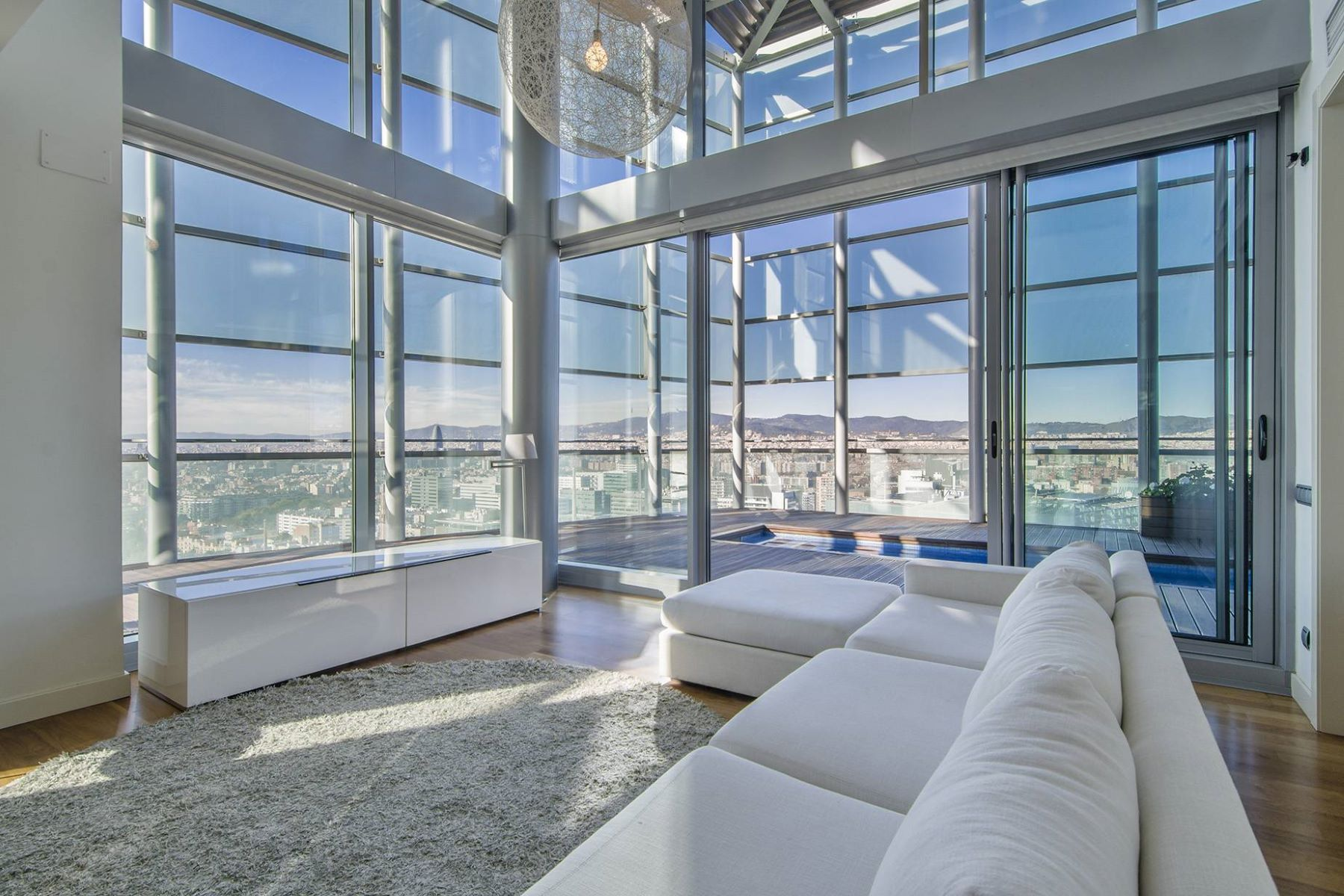 Appartamento per Vendita alle ore Exclusive Penthouse Duplex With Fantastic Views in Diagonal Mar, Barcelona Barcelona City, Barcellona, 08019 Spagna