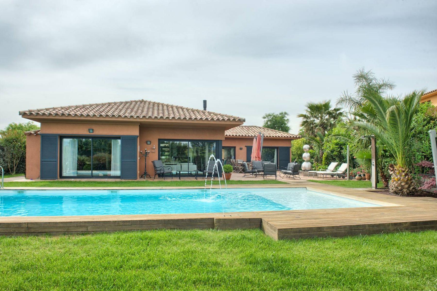 واحد منزل الأسرة للـ Sale في Luxury one level property on the golf course Other Cities Alt Emporda, Barcelona, 17600 Spain