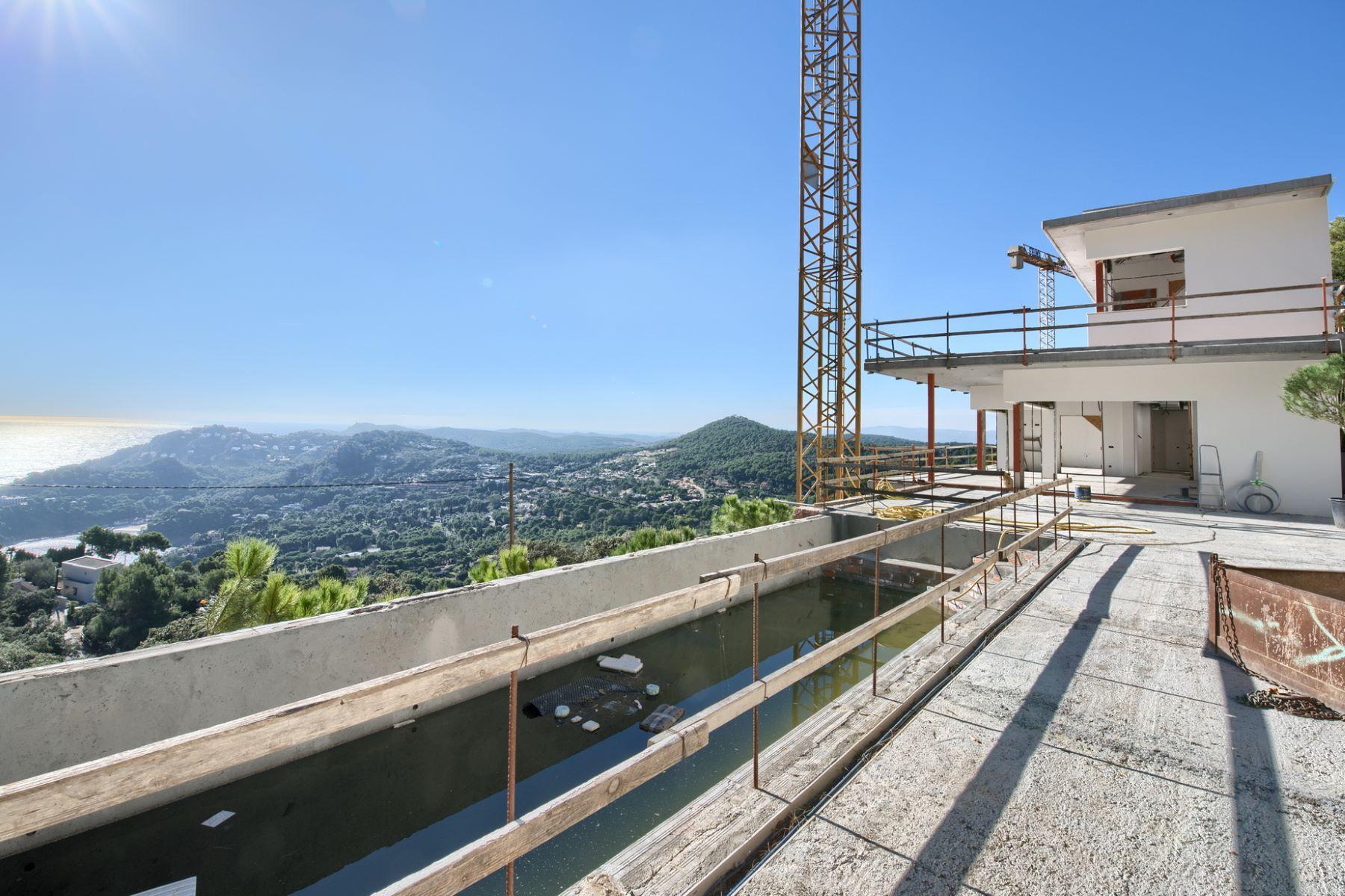 独户住宅 为 销售 在 Luxury modern style house with views under construction in Aiguablava 贝吉尔, 科斯塔布拉瓦, 17255 西班牙