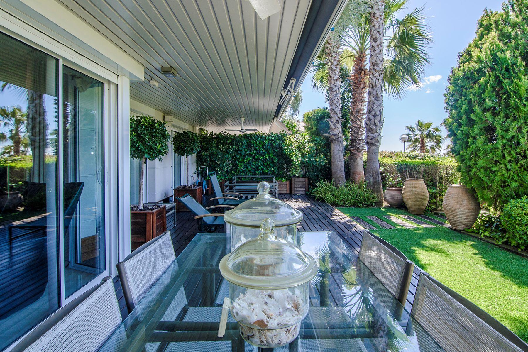 公寓 為 出售 在 Fabulous Apartment with a Private Garden Sitges, Barcelona, 08870 西班牙