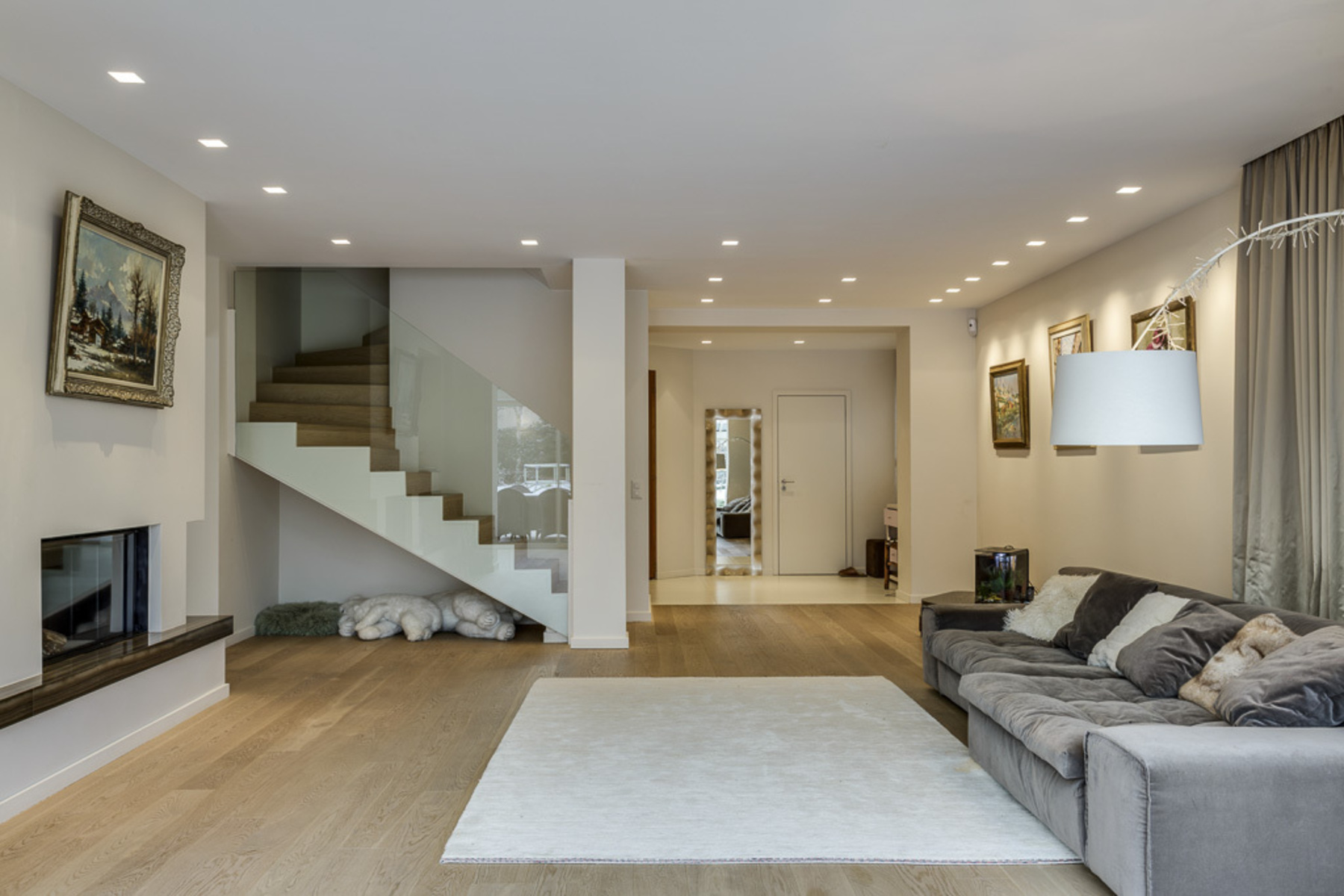 Casa Unifamiliar por un Venta en Stunning, fully renovated family home Chêne-Bougeries Chene-Bougeries, Geneve, 1224 Suiza