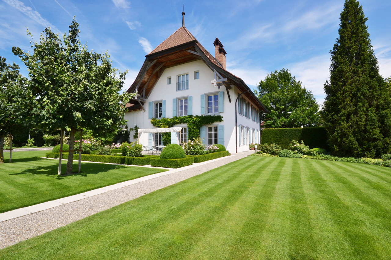 Single Family Home for Sale at Meticulously renovated splendid 17th-century mansion house Autigny Autigny, Fribourg 1742 Switzerland