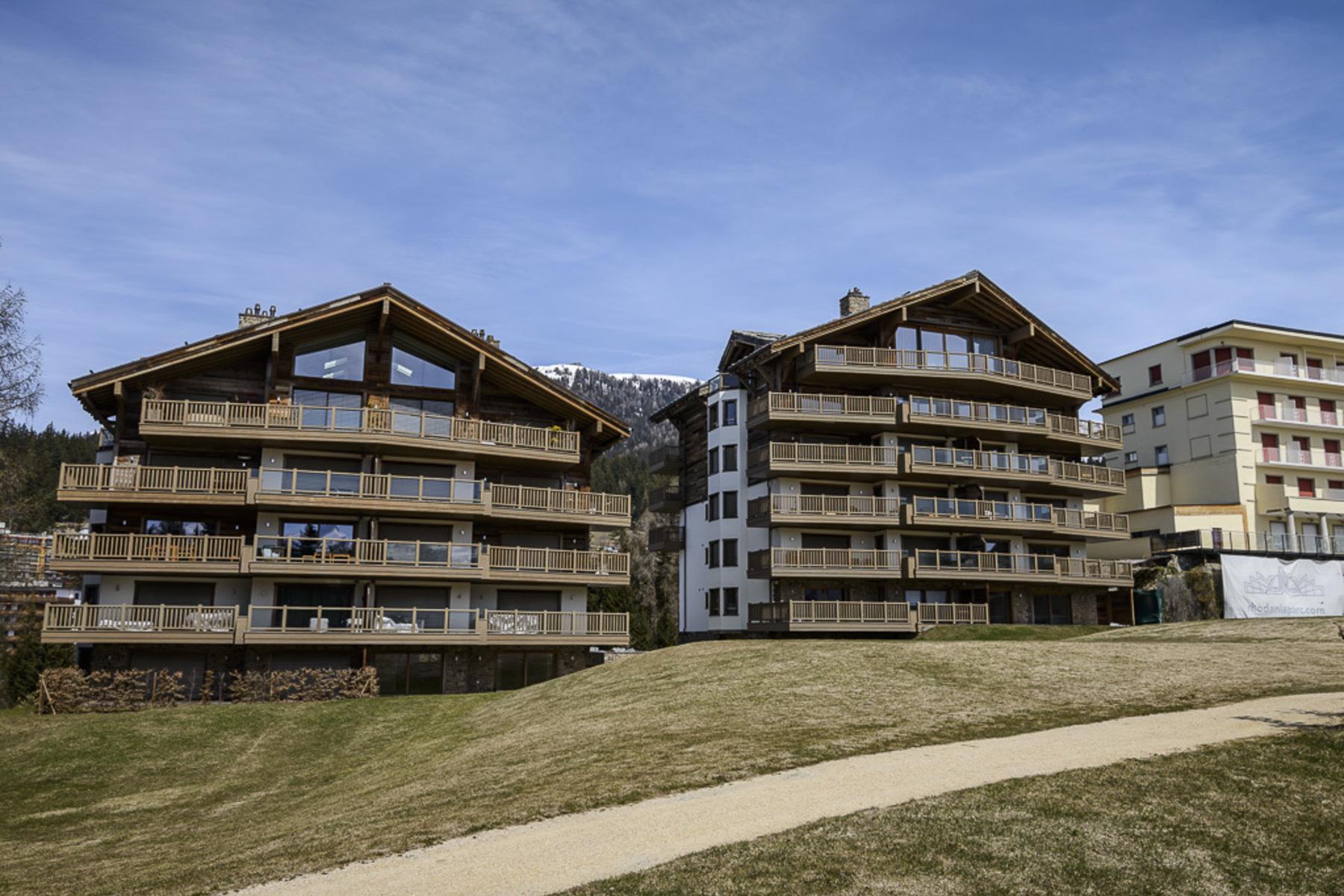 Кондоминиум для того Продажа на Barolins, 3 rooms, 3rd floor Route des Mélèzes Crans, Вале, 3963 Швейцария