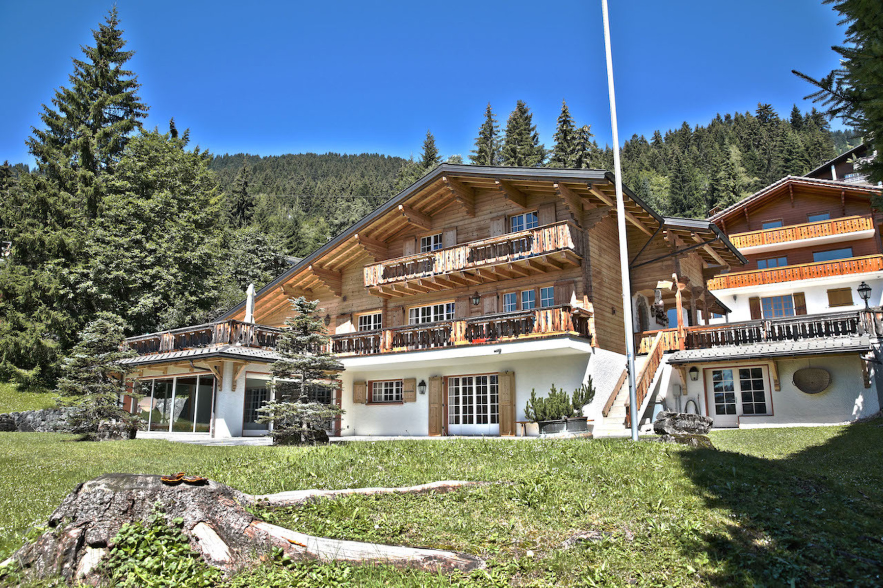 Single Family Home for Sale at Le Clipper Route de la Résidence 61 Chesieres, Vaud, 1885 Switzerland