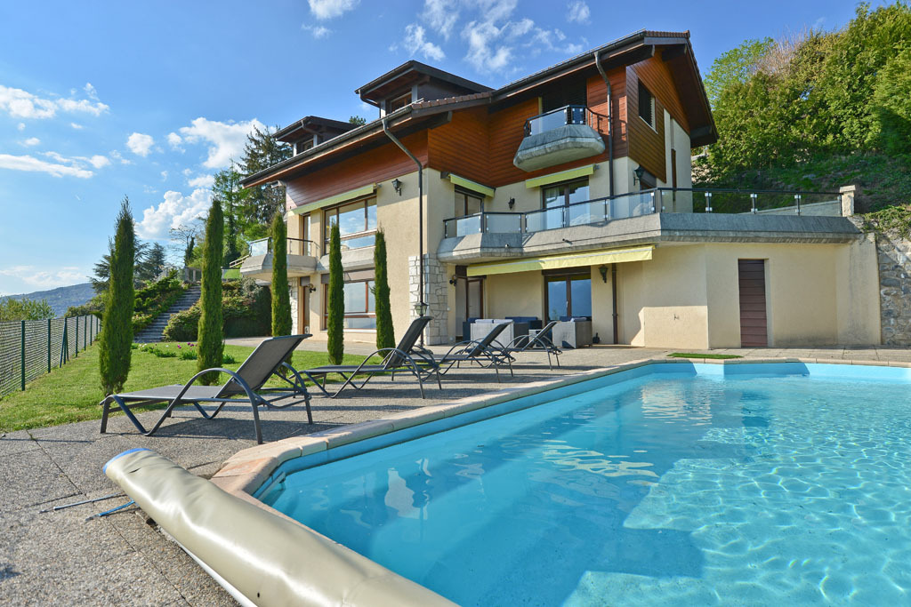 Single Family Home for Sale at Splendid 9.5 room property Panoramic view over the lake Blonay Blonay, Vaud 1807 Switzerland