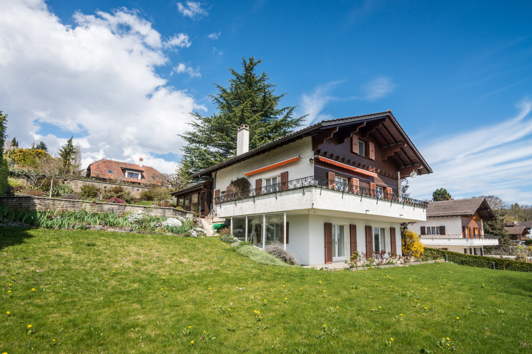 Single Family Home for Sale at Spacious house with swimming pool and panoramic views Genolier Genolier, 1272 Switzerland