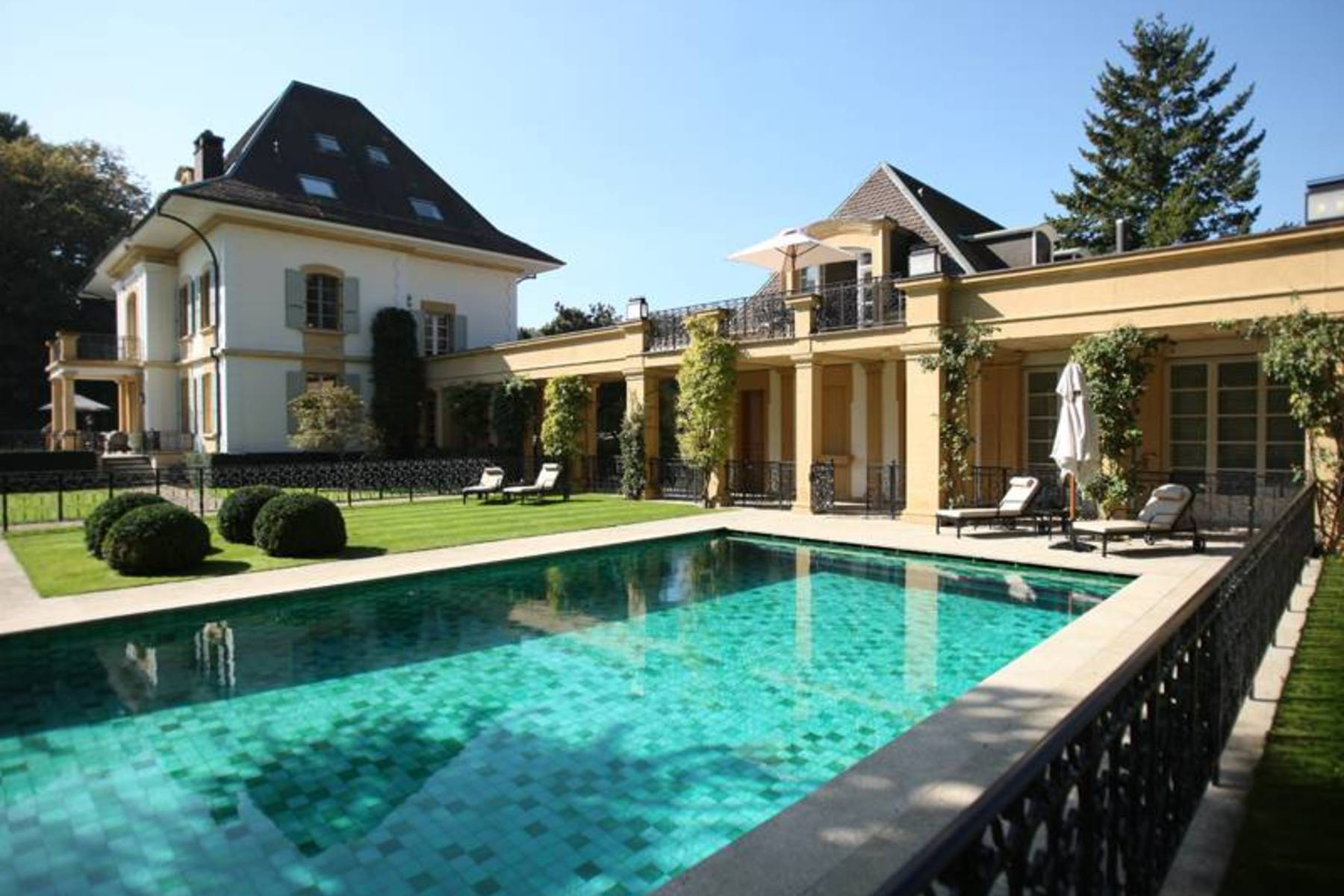Single Family Home for Sale at LUXURY WATERFRONT PROPERTY Gland Gland, Vaud, 1196 Switzerland