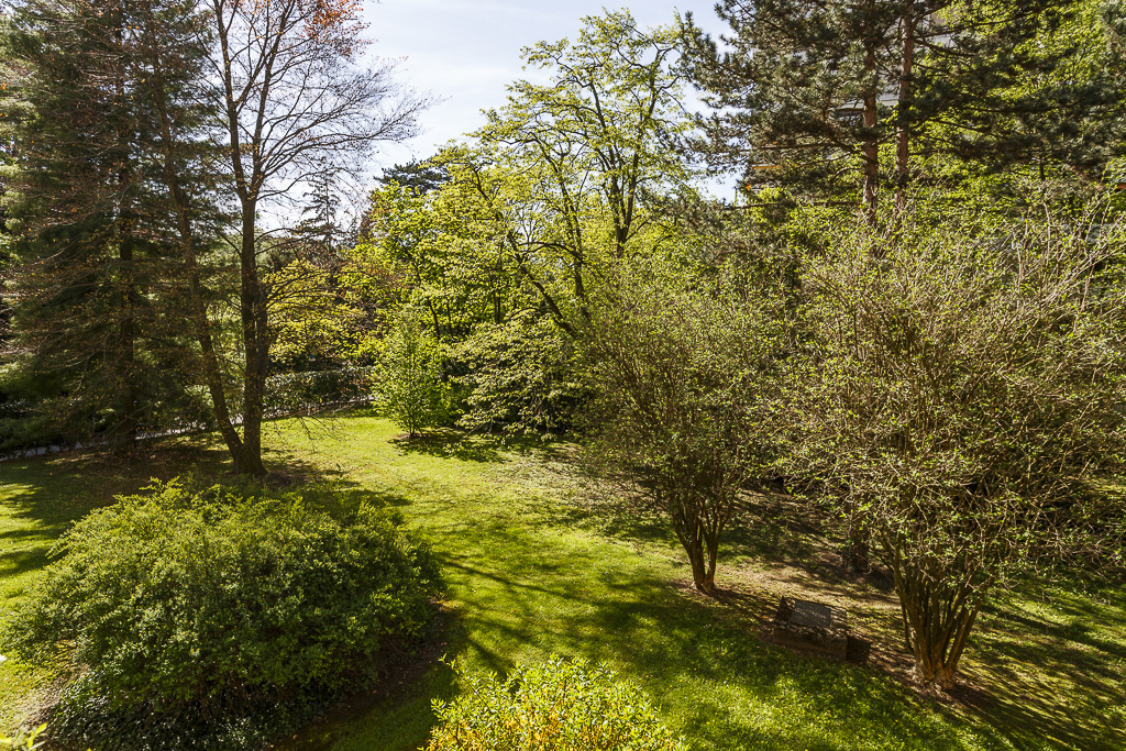 Property For Sale at Lovely apartment with view over Parc Bertrand
