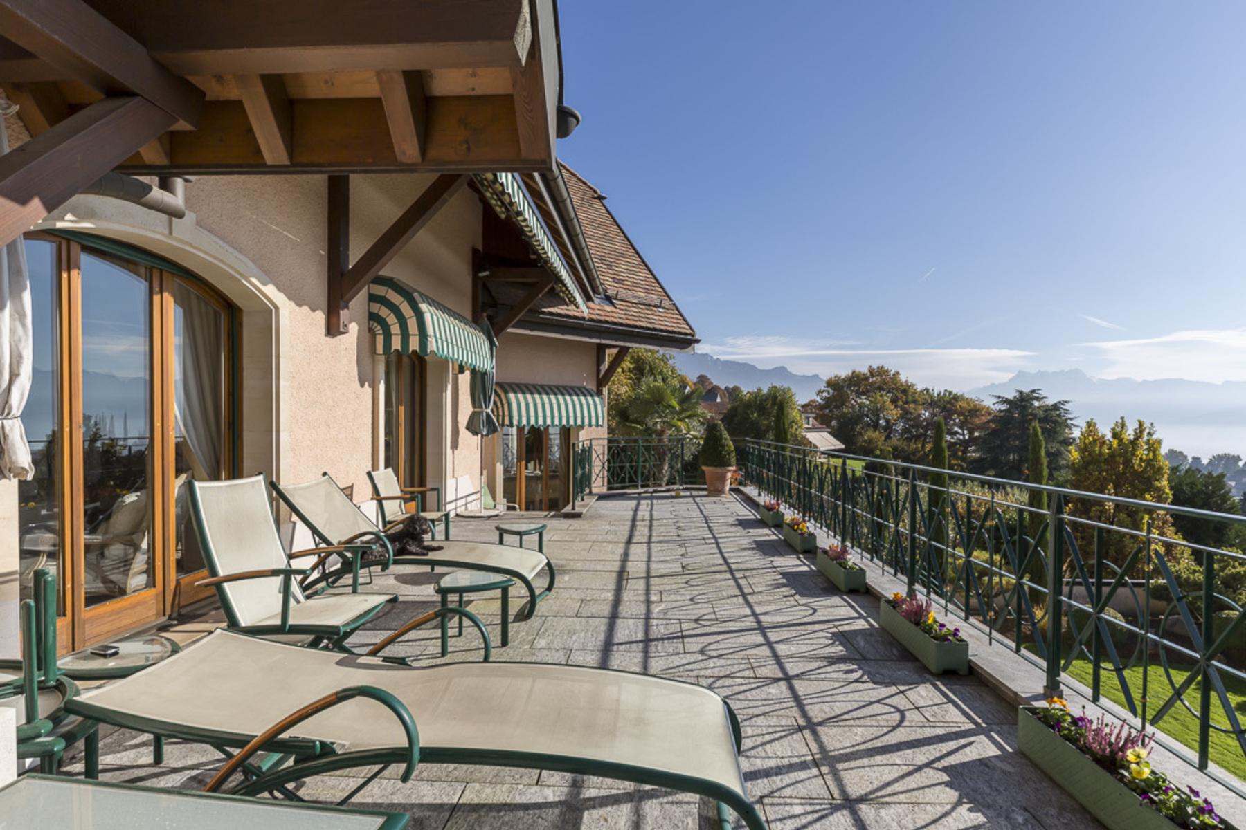Villa per Vendita alle ore Superb property with spectacular view over the lake Blonay Blonay, Vaud, 1807 Svizzera