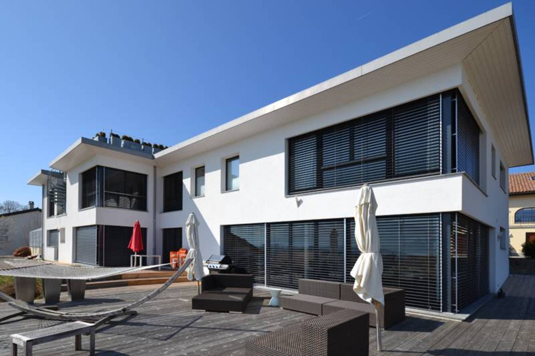sales property at Lovely 10-room contemporary house