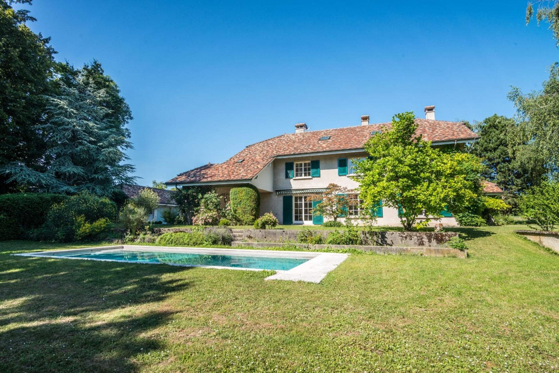 sales property at Property in a leafy setting in the heart of Nyon