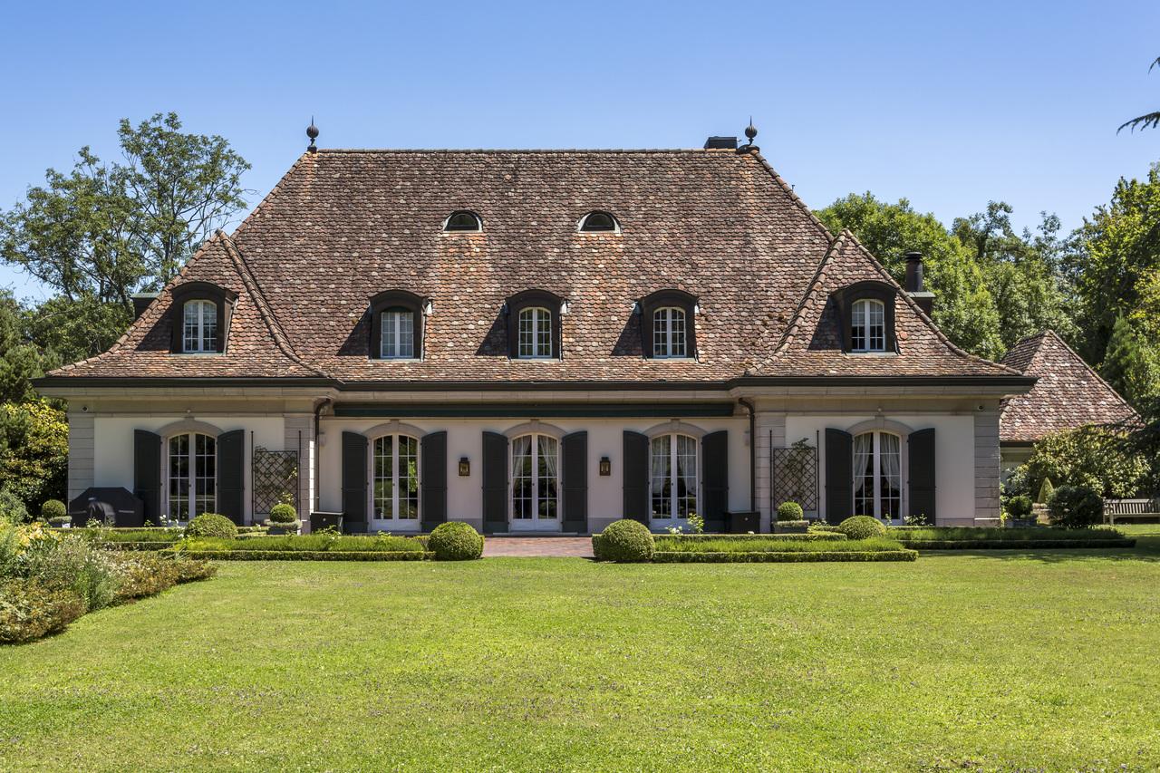 Property For Sale at Splendid mansion