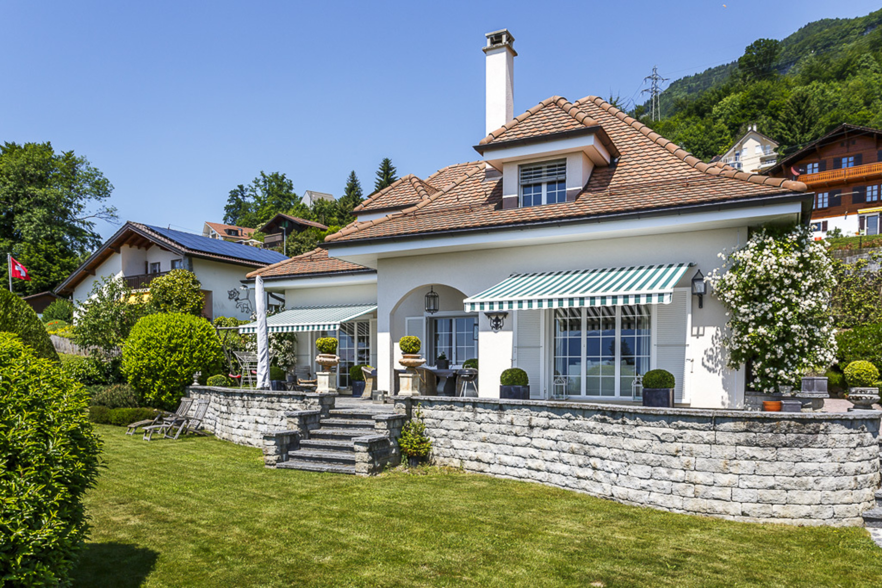 Single Family Home for Sale at Exquisite 6.5 room family home Superb views over the lake Blonay Blonay, Vaud, 1807 Switzerland