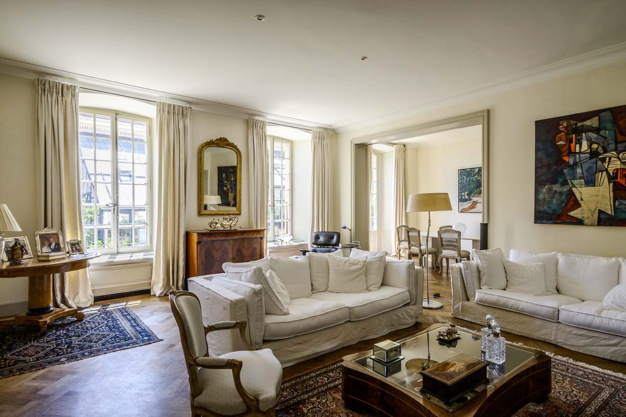 Property For Sale at In the heart of the old town Luxury 196 m2 apartment