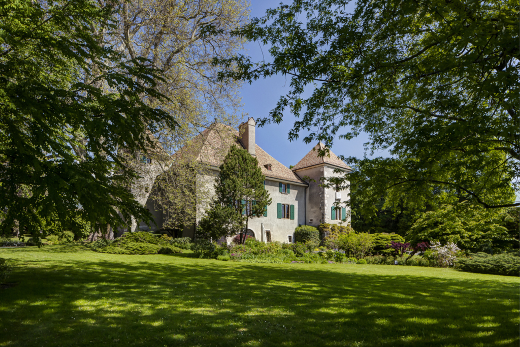 sales property at Magnificent 15th century chateau