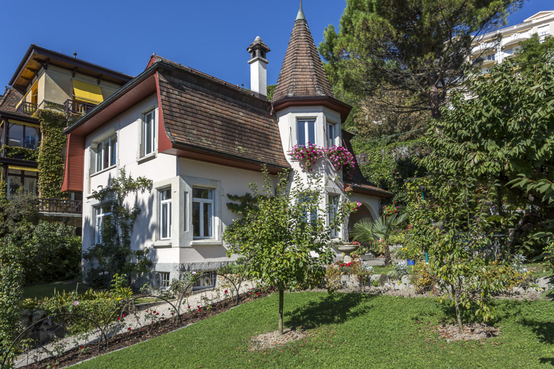Single Family Home for Sale at Sumptuous mansion in the heart of Montreux Montreux, Vaud 1820 Switzerland