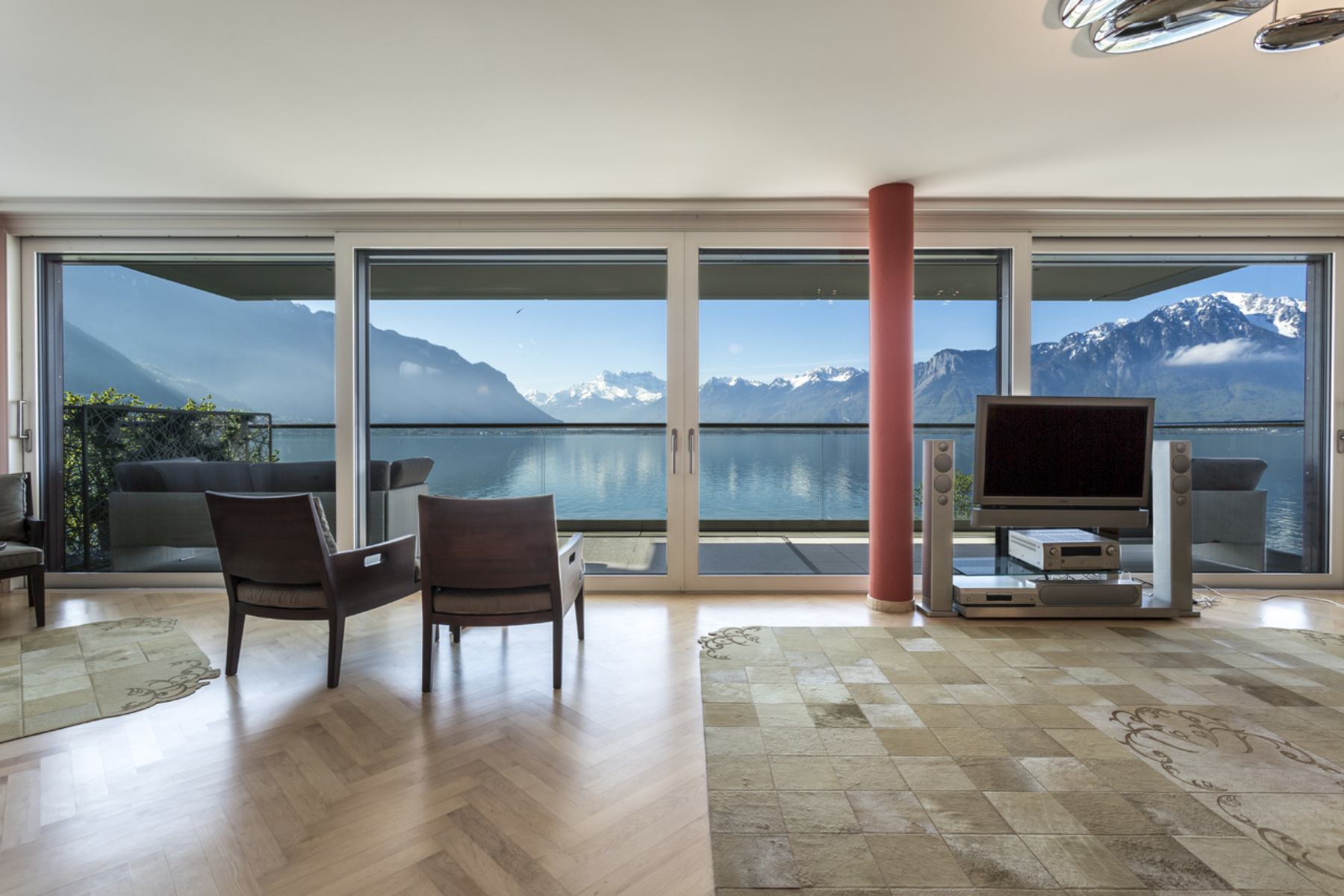 共管式独立产权公寓 为 销售 在 Résidence Villa les Bains 4.5 room furnished penthouse On the lakeshor Montreux 蒙特勒, 1820 瑞士