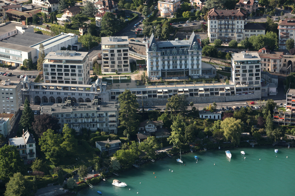 Apartamento para Venda às Montreux's 'Le National' apartment Exceptional and unique penthouse Montreux, Vaud 1820 Suíça