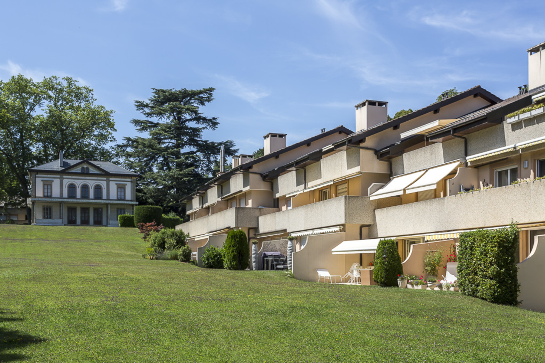 Apartment for Sale at Beautiful loft apartment in leafy surroundings Chêne-Bougeries Chene-Bougeries, Geneva 1224 Switzerland