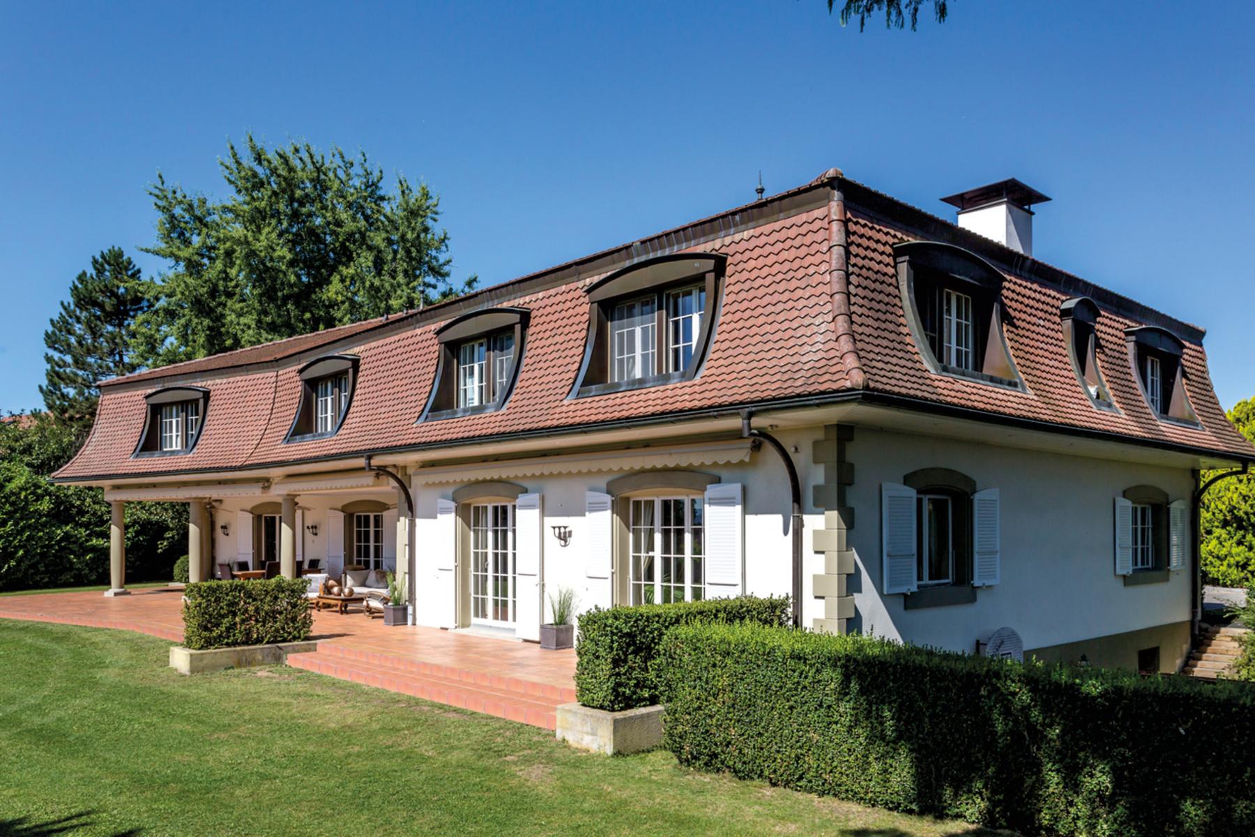 Single Family Home for Sale at Prestigious mansion on the edge of town Neyruz Neyruz, Fribourg, 1740 Switzerland