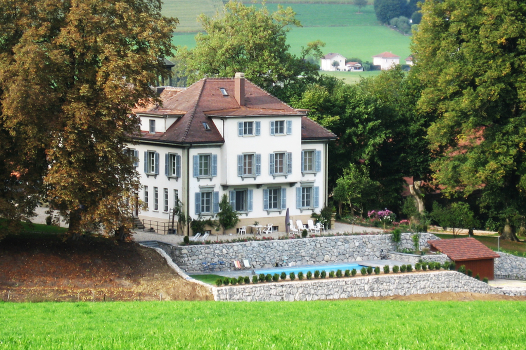 Casa para uma família para Venda às Magnificent mansion in peaceful surroundings Hauterive Other Switzerland, Outras Áreas Na Suíça, 1725 Suíça