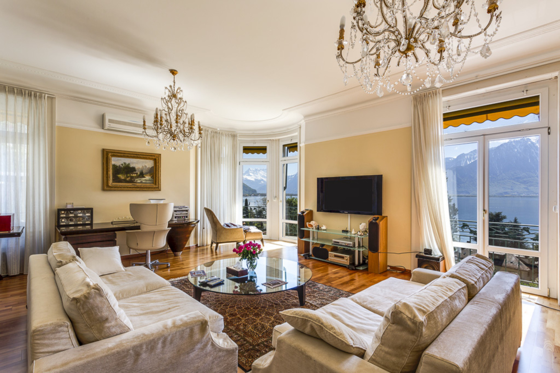 sales property at Beautiful 6.5 room apartment in an exclusive residential complex