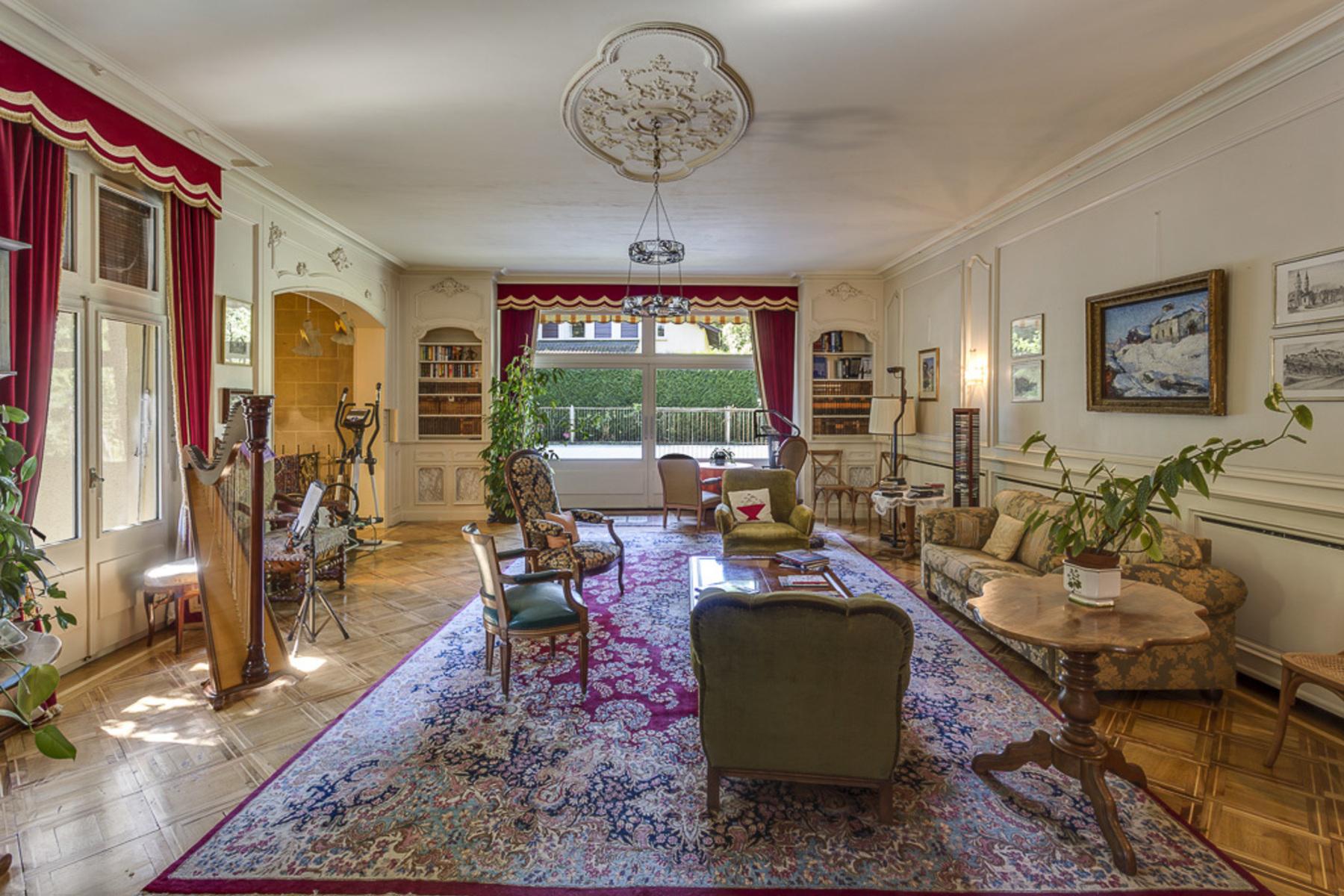 Casa para uma família para Venda às For sale, House, 1224 Chêne-Bougeries, Réf 7677 Chene-Bougeries, Genebra, 1224 Suíça