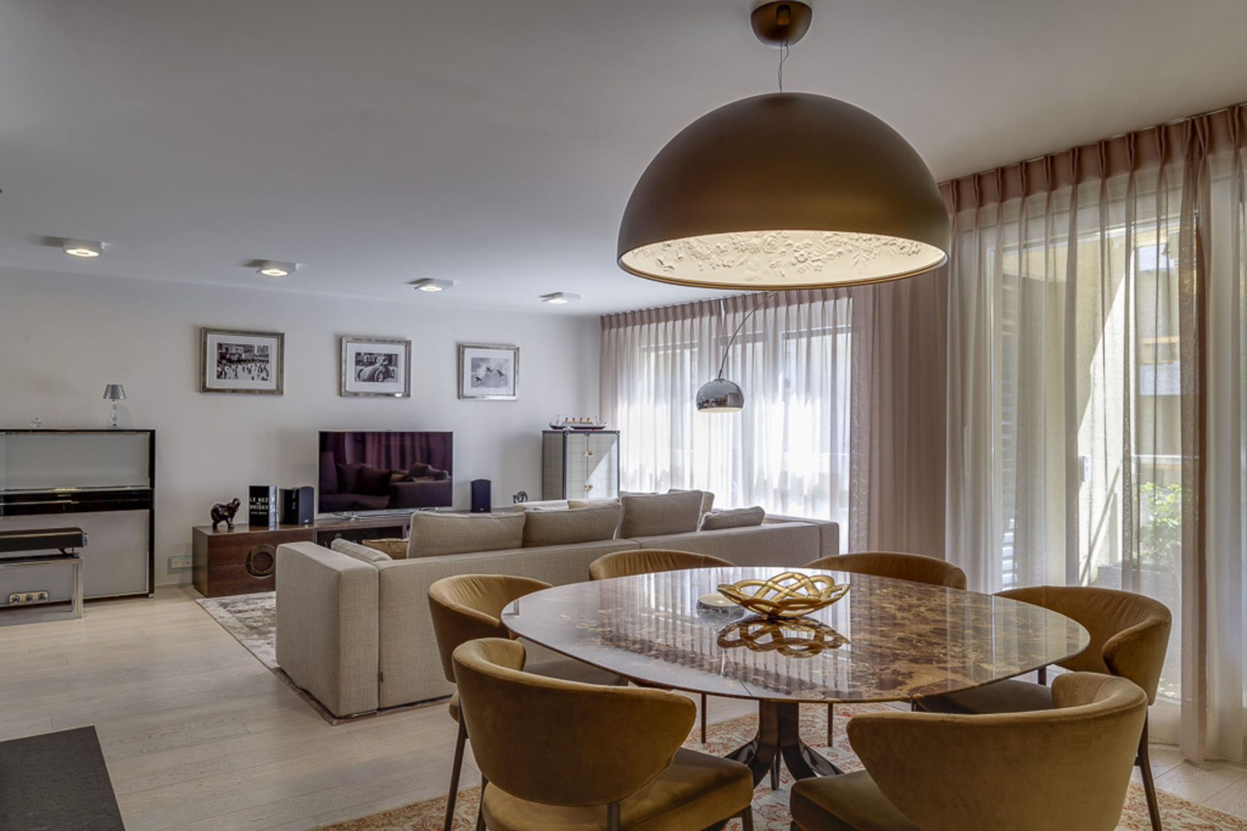Property For Sale at Spacious apartment in the heart of Nyon