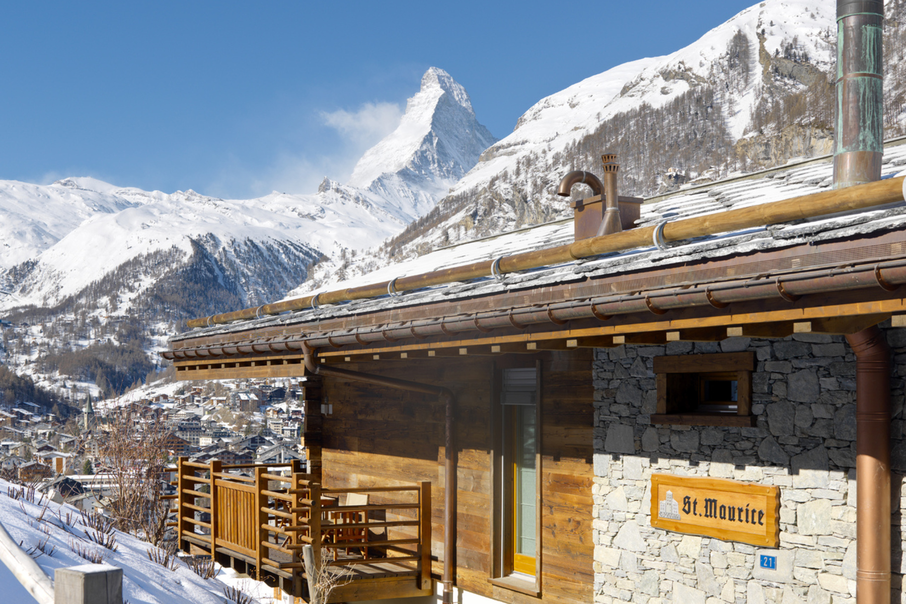 sales property at Free standing luxury chalet with 6 ensuite bedrooms