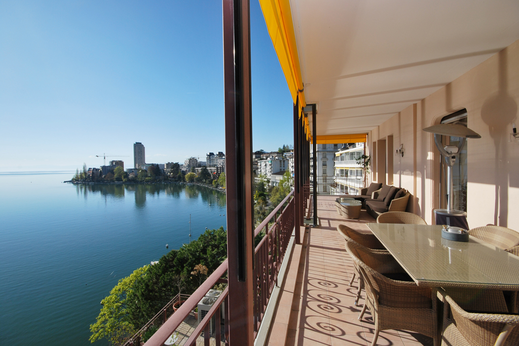 Property For Sale at High-class apartment on the famous Montreux quays