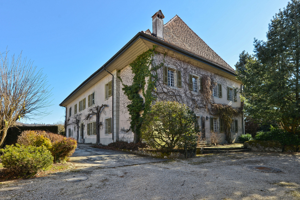 Property For Sale at The Château de Bercher estate