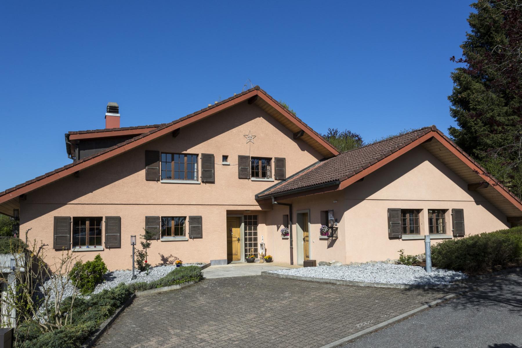 sales property at Spacious villa with 10.5 rooms Idyllic setting