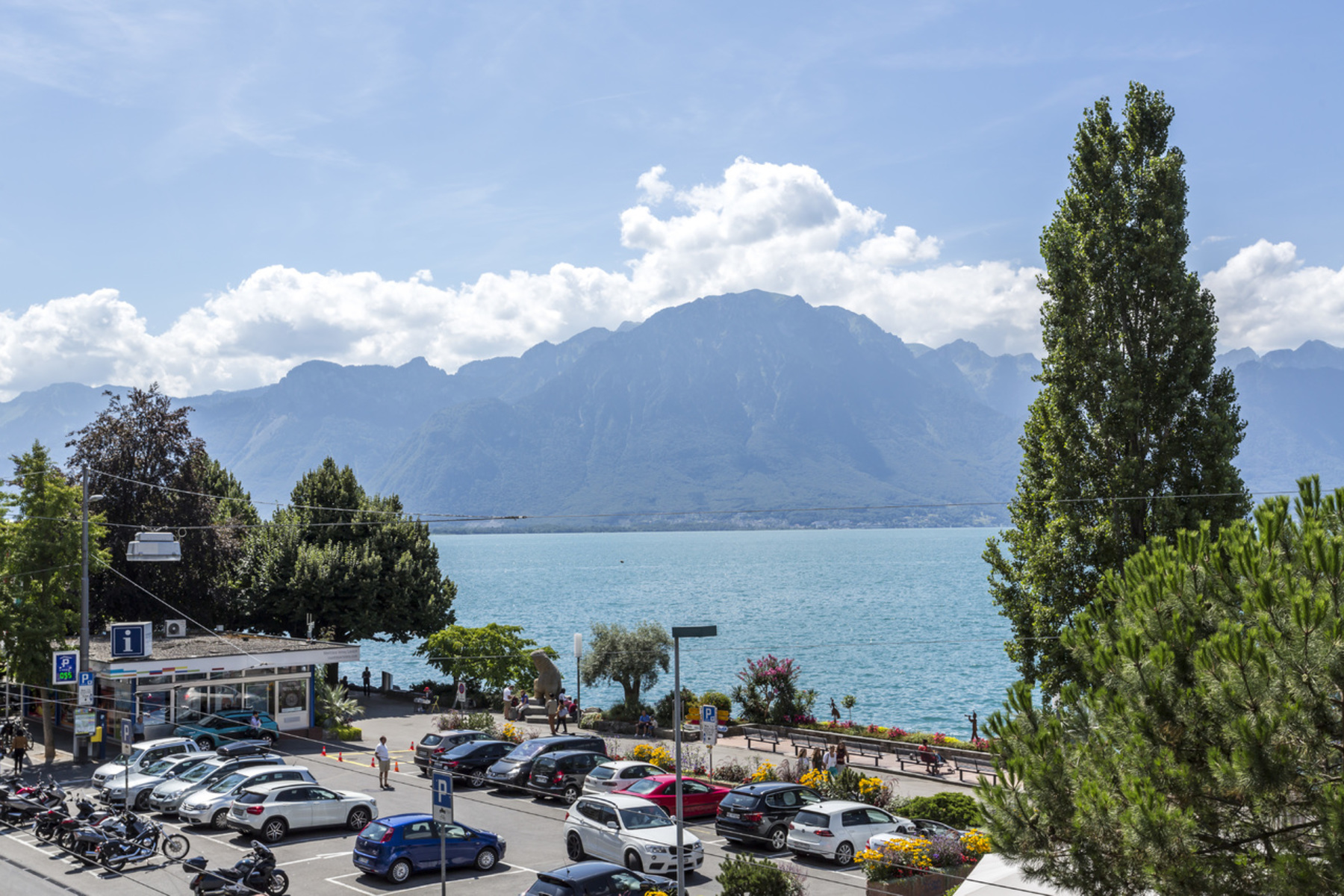 公寓 为 销售 在 4.5 room apartment in the town centre Magnificent lake view Montreux 蒙特勒, 沃州 1820 瑞士