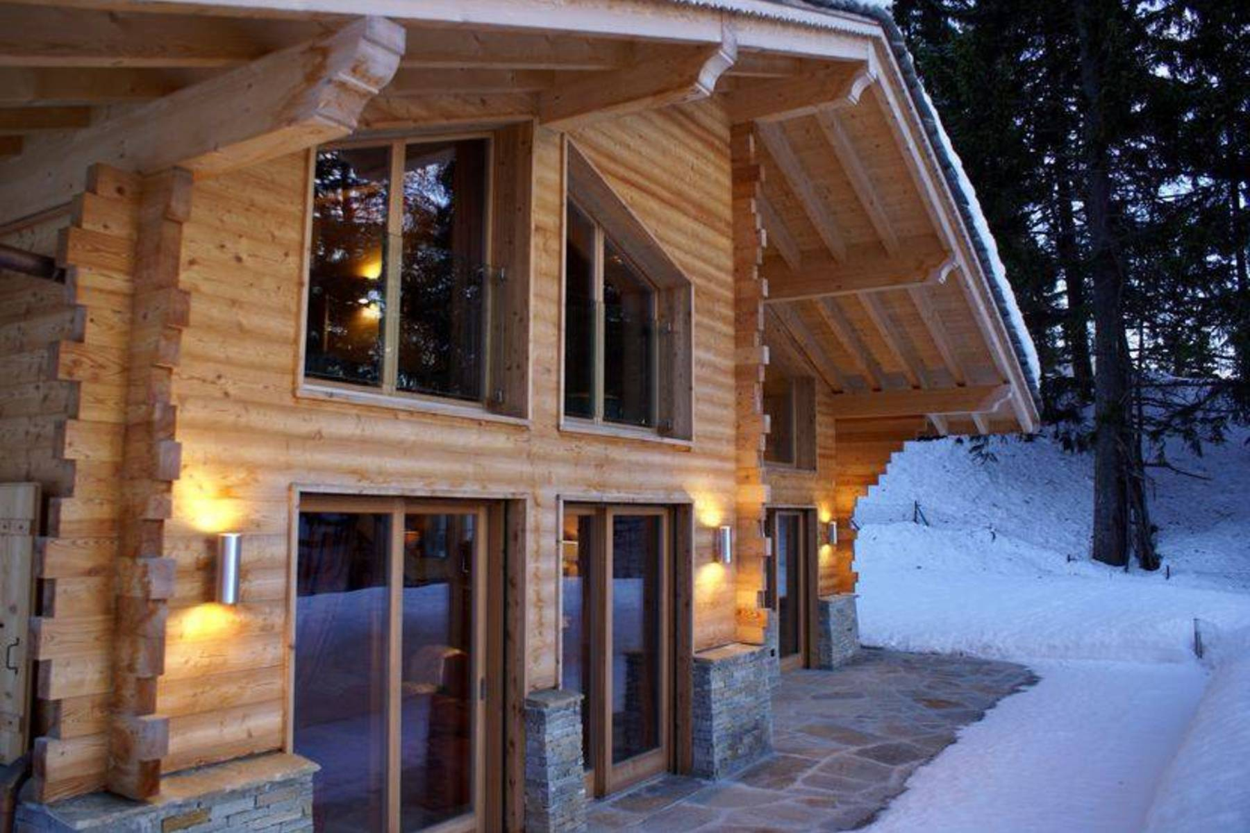 Property For Sale at For sale, Chalet, 3963 Crans-Montana, Réf 21101