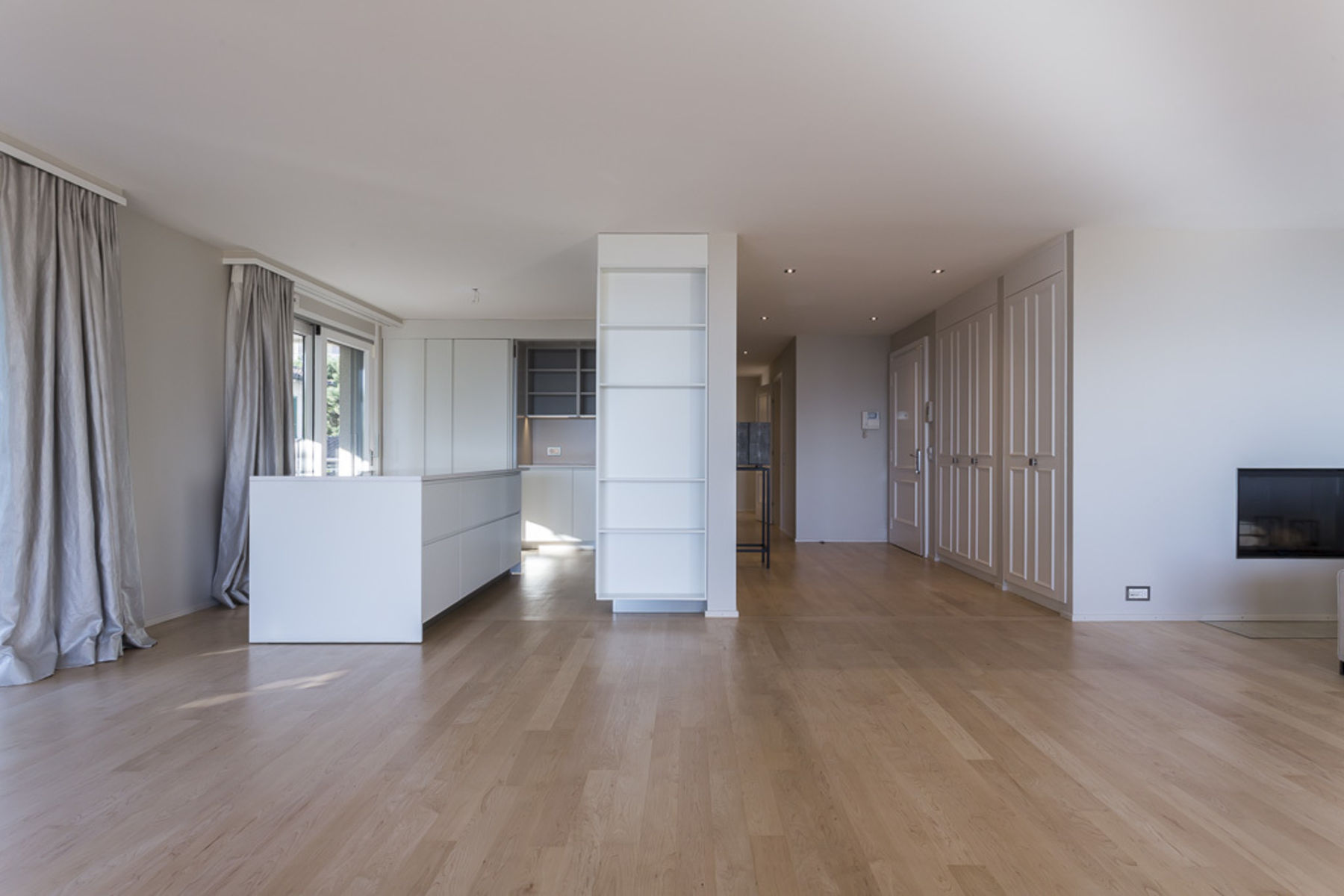 Additional photo for property listing at Modern 4 room apartment, overlooking the lake Pully Pully, Vaud 1009 Switzerland