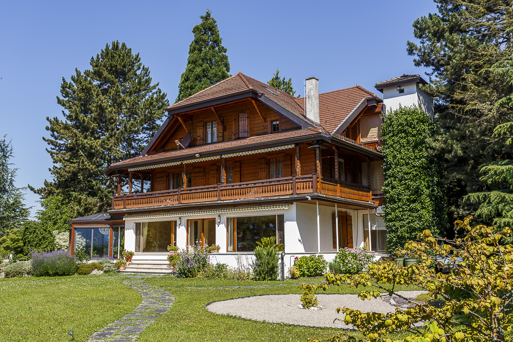 Single Family Home for Sale at Mansion Situated amid magnificent leafy grounds Blonay Blonay, Vaud 1807 Switzerland