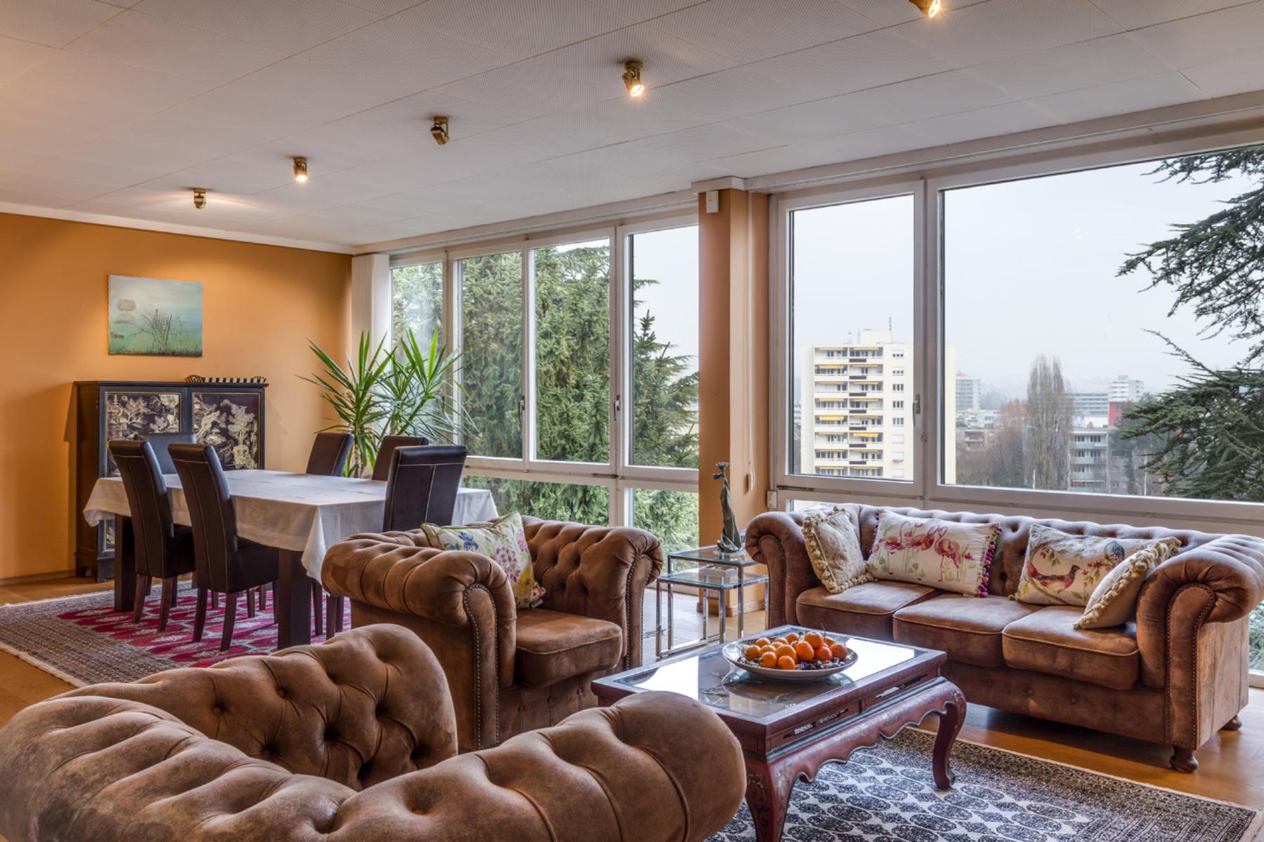 sales property at 7.5 room contemporary villa