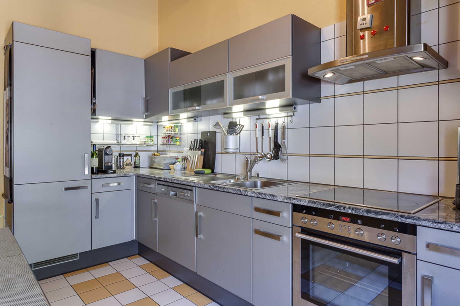 Additional photo for property listing at Beautiful loft apartment in leafy surroundings Chêne-Bougeries Chene-Bougeries, Geneva 1224 Switzerland