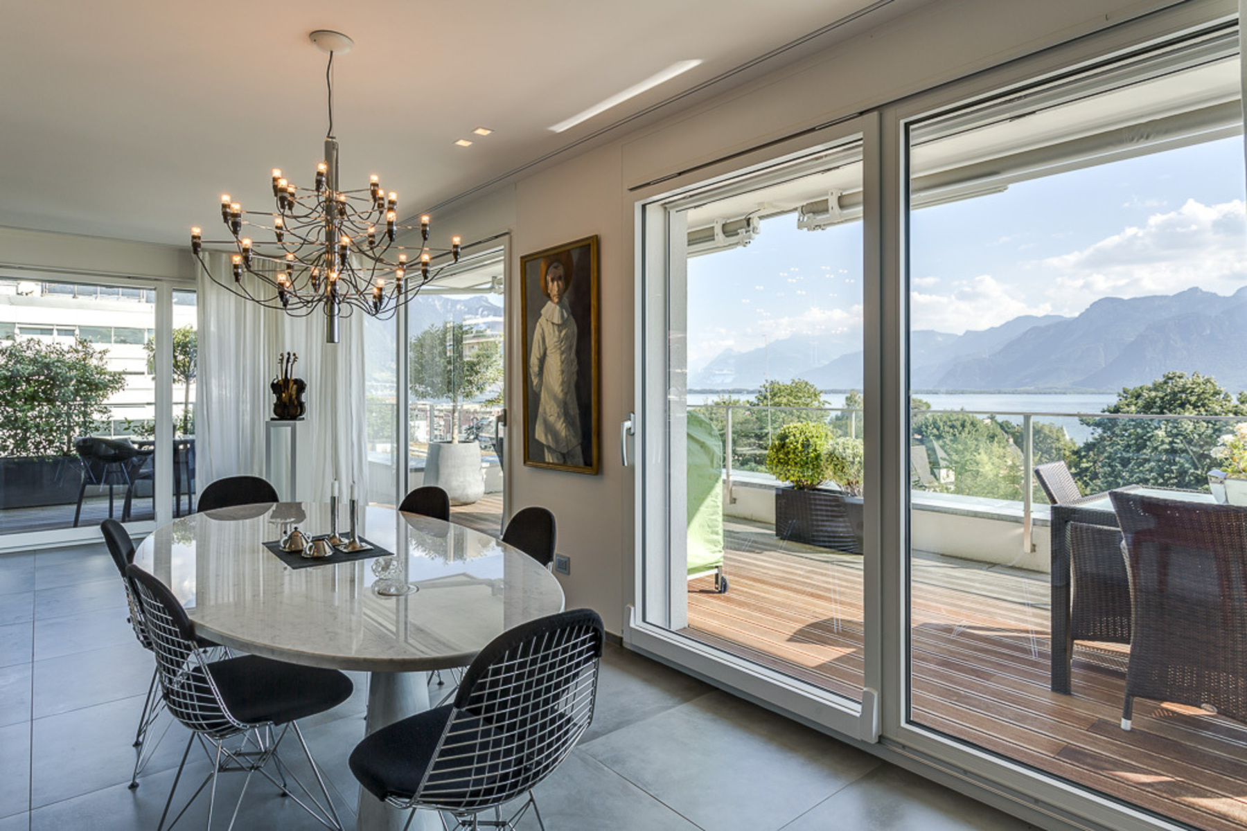 sales property at Superb contemporary penthouse Unobstructed lake view