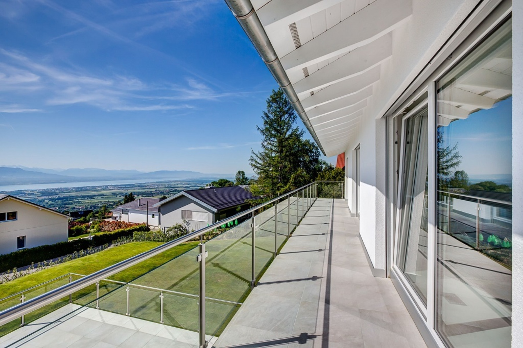 Property For Sale at New, modern villa with panoramic view over Lake Geneva and the Alps