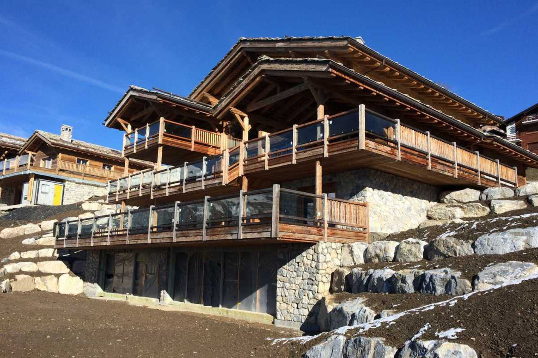 Property For Sale at For sale, Chalet, 3963 Crans-Montana, Réf 20930