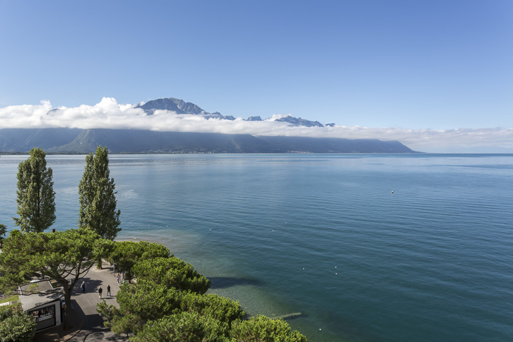 Additional photo for property listing at Splendid deluxe waterfront 4.5 room loft apartment Montreux Montreux, Vaud 1820 Switzerland
