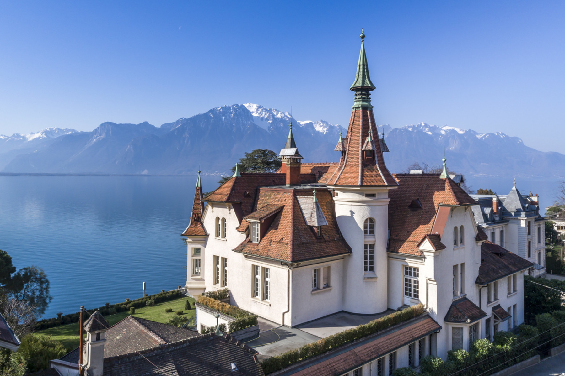 Single Family Homes por un Venta en Spectacular historic château, prime location with breathtaking views Clarens Montreux, Vaud 1820 Suiza